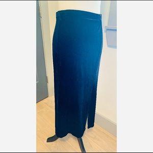 Vintage rare R&K Black Velvet Skirt size 14